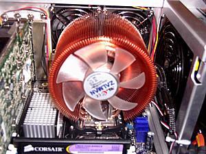 I got my new Zalman CPNS9700 Cooler now!-zalman-cooler-another-angle.jpg
