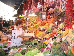 "8th Photo Assignment ""Food & Drink"", Discuss and enter here-barcelona-02-mercat-de-la-boqueria on las Ramblas_jpg.jpg