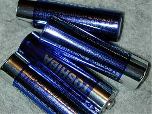 Picture fight.-aa-batteries.jpg