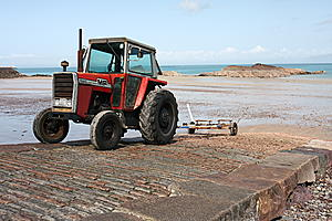 Canon EOS 40D tested-tractor_800.jpg