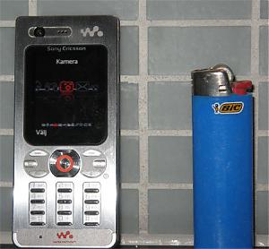 Leaked photos of Sony Ericsson W880-w880.jpg