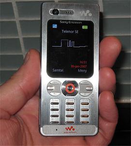 Leaked photos of Sony Ericsson W880-w880_2.jpg