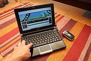 Asus' Eee PC 1000 40G netbook-asus_eee_pc_1000.jpg