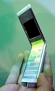100% recycled phone concept by Nokia-ctia_remade_01_2.jpg